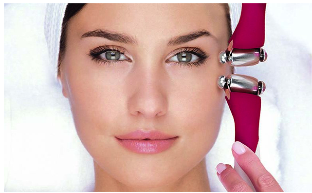 HCE HYDRADERMIE LIFT TREATMENT